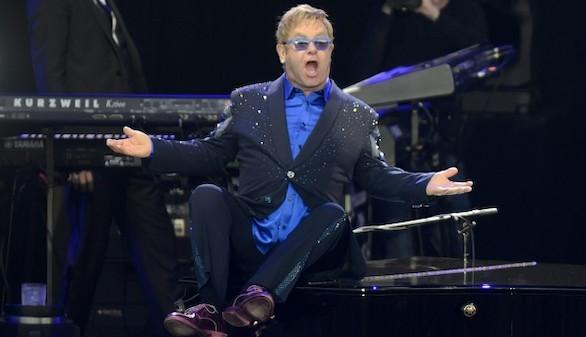 Elton John se reunirá con Putin en Moscú para tratar los derechos de los homosexuales