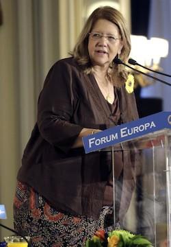 """Elvira Rodríguez, """"preocupada"""" por la inestabilidad política en España"""