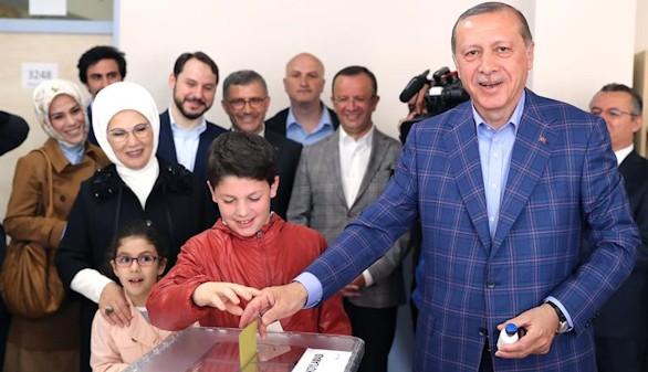 Erdogan se hace con el poder absoluto en Turquía