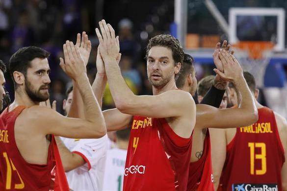 España llega invicta a octavos tras vencer a Hungría 64-87