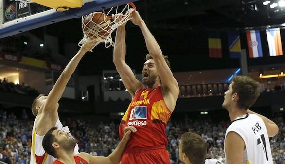Eurobasket. España sufre para evitar el desastre pero pasa a octavos