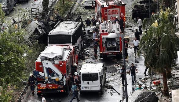 Al menos once muertos en un atentado en Estambul