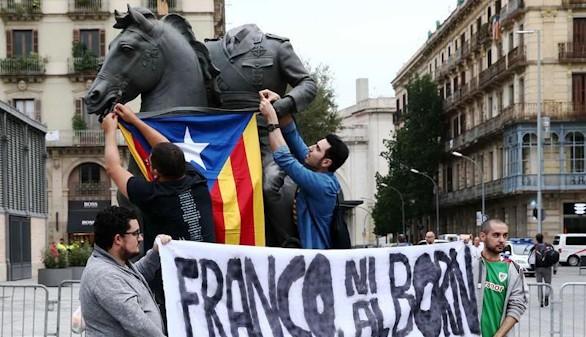 La estatua de Franco decapitado que causa controversia en Barcelona