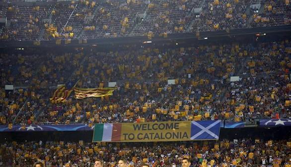 El Barcelona mantiene el pulso con la UEFA por las esteladas