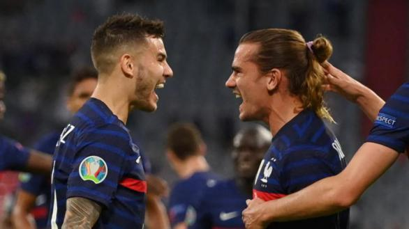 Lucas Hernández y Griezmann celebran el único gol del Francia-Alemania de Eurocopa.
