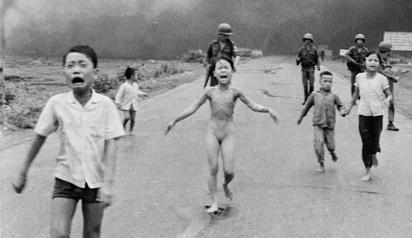Facebook rectifica la censura a la foto icónica de la guerra de Vietnam