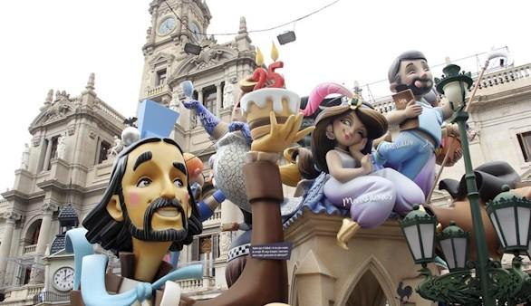 Arrancan las Fallas 2016: Valencia disfruta ya del fuego y la pólvora