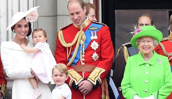 La princesa Carlota 'roba' protagonismo a los 90 años de su bisabuela