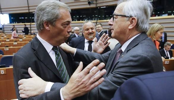 Bronca entre Juncker y Farage: 'Es la última vez que usted aplaude aquí'