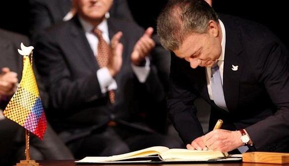 El Gobierno colombiano y las FARC firman un nuevo acuerdo de paz