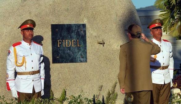 Las cenizas de Castro ya reposan en Santa Ifigenia