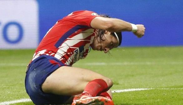 Un Atlético mejor tampoco le gana al Qarabag y queda casi sentenciado | 1-1