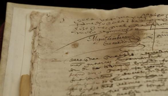La Universidad de Sevilla halla dos firmas perdidas de Miguel de Cervantes