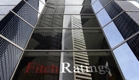 Fitch mantiene la deuda de España en el aprobado alto con perspectiva estable