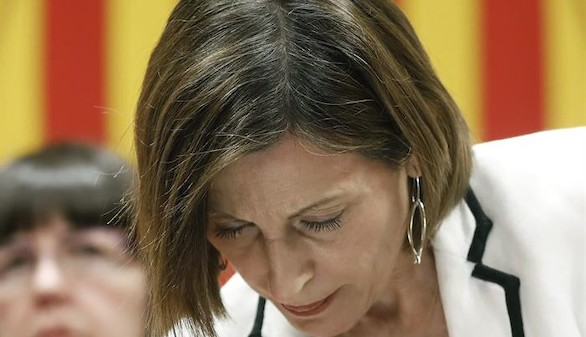 Puigdemont condiciona la ayuda a los medios a que apoyen el 1-O