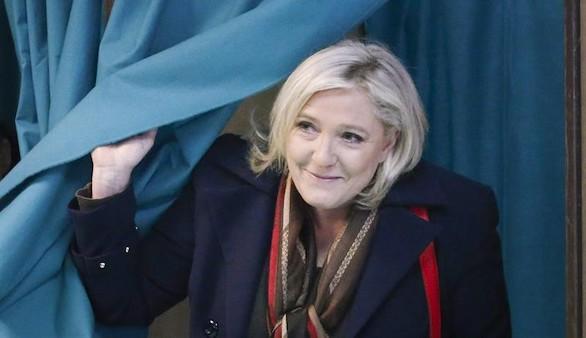 La alta participación tumba a Le Pen en las regionales francesas