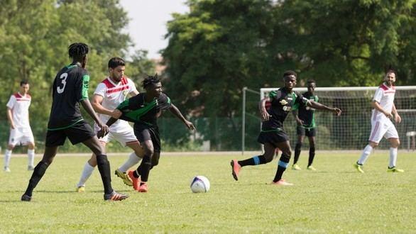 Los clubes de fútbol amateur prefieren jugadores autóctonos a extranjeros