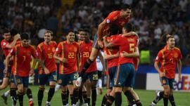 La selección española celebra su victoria en la final de la Eurocopa Sub-21.