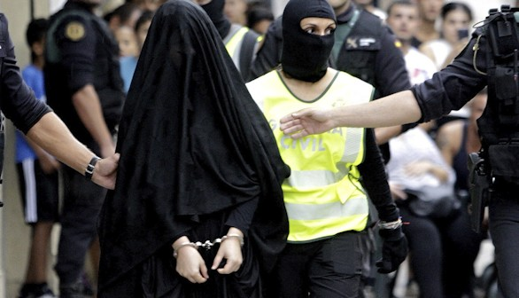 Detenida en Valencia una joven que se iba a unir a Estado Islámico
