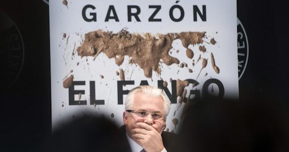 Garzón analiza en su libro cuarenta años de casos de corrupción