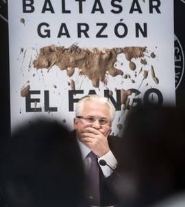 Baltasar Garzón durante la presentación de su libro 'El fango' este jueves. Efe