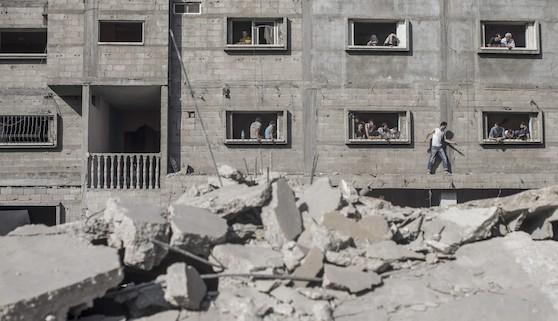El Ejército israelí bombardea posiciones de Hamásen Gaza