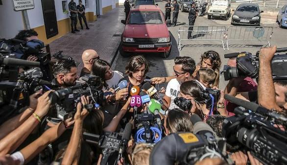 Multitudinario adiós a Ángel Nieto