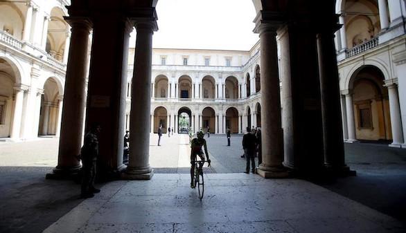 Giro de Italia. Doblete de Ulissi mientras Jungels refuerza el rosa