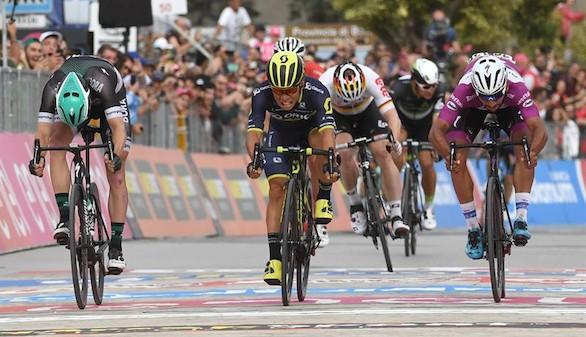 Giro de Italia. Ewan se impone por
