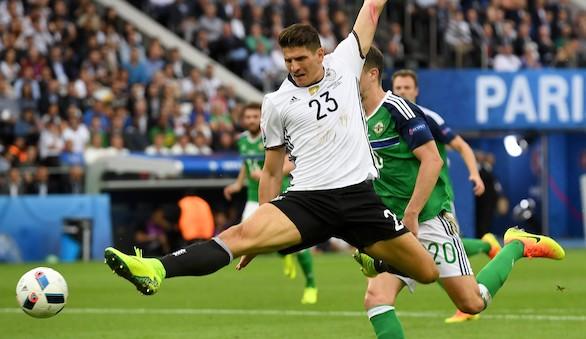Mario Gómez no jugará más en lo que resta de Eurocopa