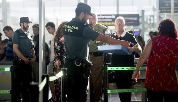 La Guardia Civil logra reducir las colas de espera en El Prat