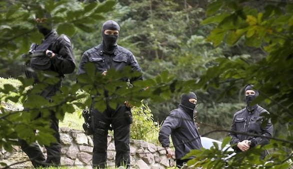 Cinco detenidos en una operación contra la logística de Eta