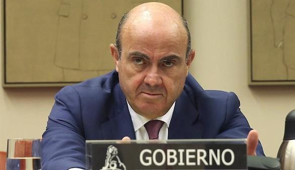 Guindos confirma que Cataluña saldría del euro si se independiza