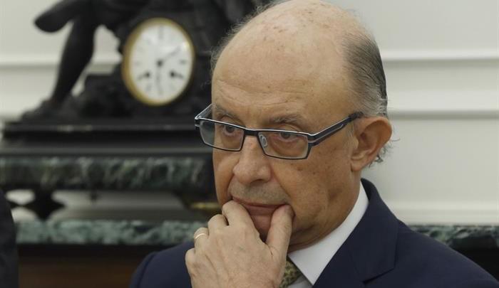 Hacienda da 24 horas al 'Govern' para justificar el desvío de los 6.150 euros