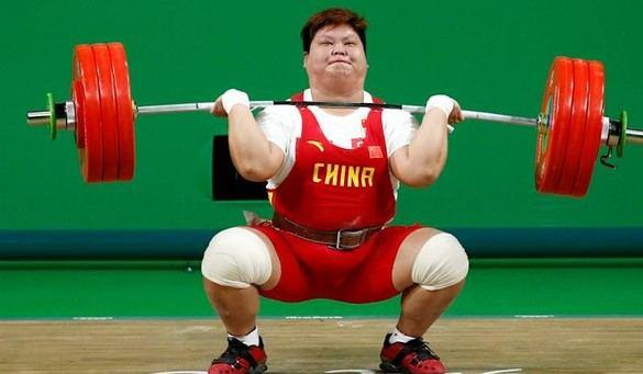 La china Meng Suping debuta en unos Juegos con el oro en +75 kilos