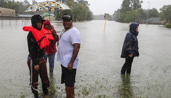 Harvey se adentra en Luisiana tras dejar 30 muertos en Texas