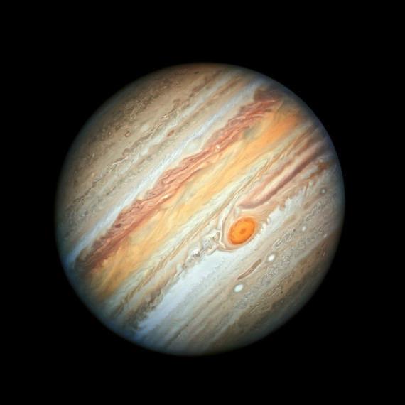La nueva fotografía de Júpiter en la que puede distinguirse la llamada Gran Mancha Roja, una tormenta del tamaño de la Tierra que lleva activa al menos 150 años.