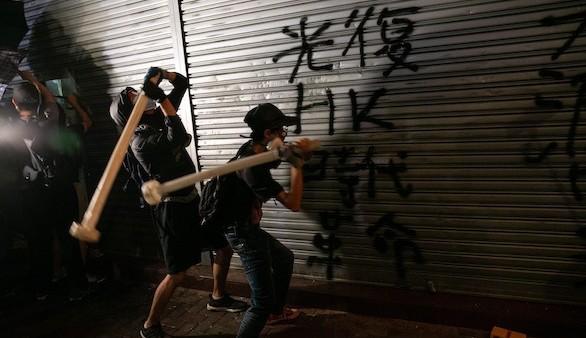Violencia, economía y los olvidados de Hong Kong