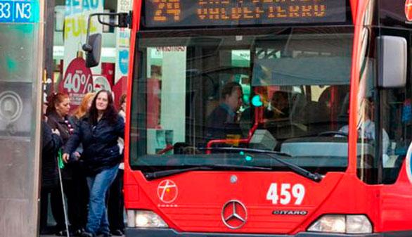 Cien días de huelga de autobuses aprietan a Zaragoza en Común
