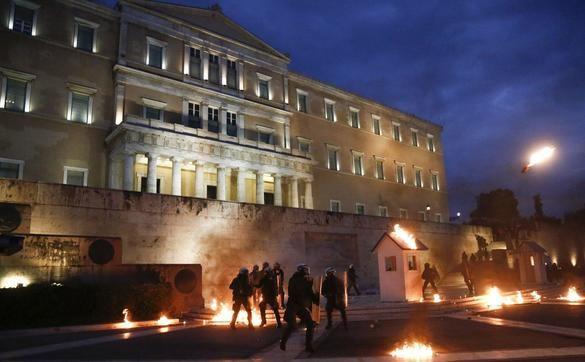 Huelga general en Grecia por la recesión provocada por el populismo de Tsipras