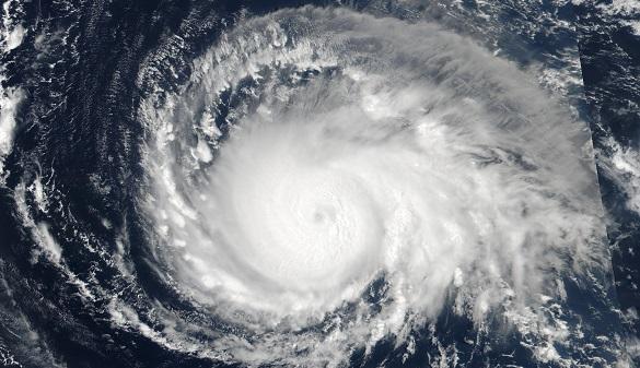 El huracán Irma alcanza la categoría 5 y avanza hacia el Caribe