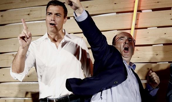 Cierre de campaña. Tsipras envía su apoyo y La Trinca pone la banda sonora a Juntos por el Sí