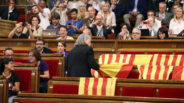 Desbandada en Podem tras la dimisión de Albano-Dante Fachin