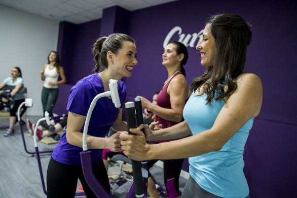 Los gimnasios Curves recomiendan la actividad física moderada para reforzar las defensas