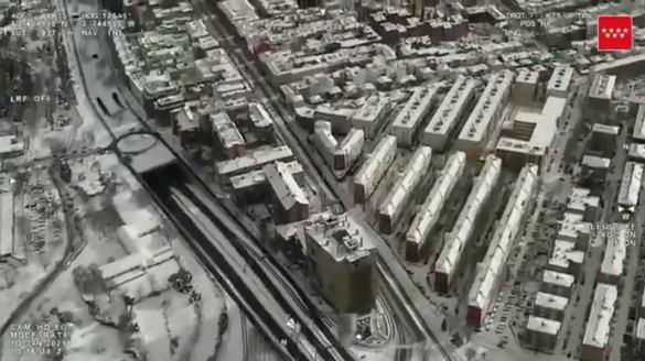 Espectaculares imágenes aéreas de la nevada en Madrid