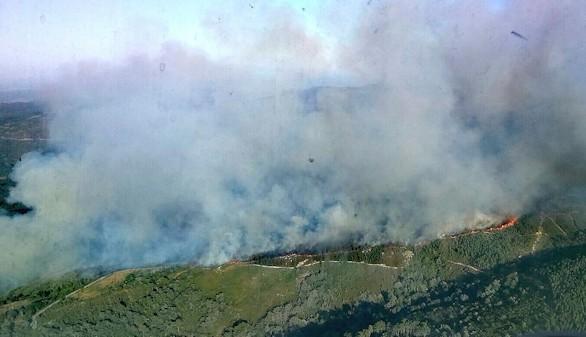 Galicia arde con varios incendios con riesgo para la población