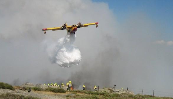 El fuego en el Valle del Jerte, estabilizado tras arrasar 900 hectáreas