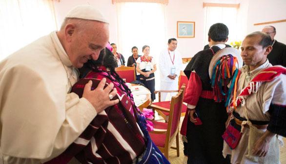 El Papa se dirige a los indígenas en su propia lengua y les pide perdón
