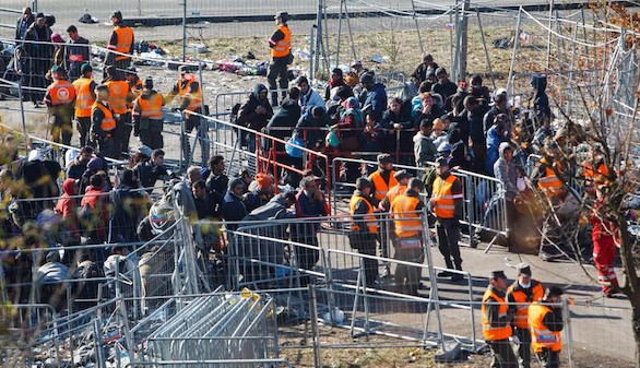 Vuelve la Europa de los muros: Eslovenia levanta barreras en la frontera