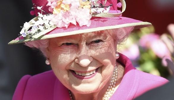 Isabel II responde a la felicitación que le envió un colegio de León